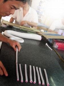 Ausrollen der Knetmasse für Fimoperlen