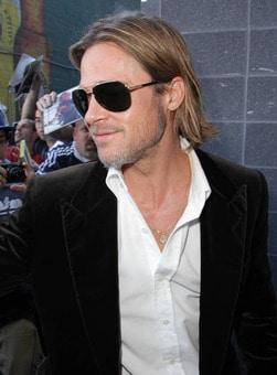 Sternzeichen Halskette Brad Pitt © Image Bullspress