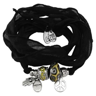 Wickelarmband mit Perlen und Charms