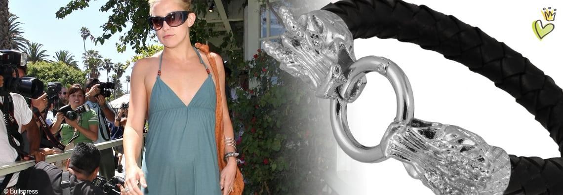Die Schauspielerin und Tochter von Goldie Hawn, Kate Hudson, verlässt das Restaurant 'The Ivy' mit einem Drachenkopf-Armband. Wir haben das Kate Hudson - Armband mit unserem Lederband und Lederband Verschluß interpretiert. © Image Bullspress