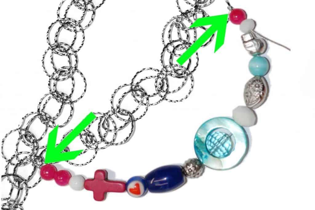 Bunte Halskette Anleitung Schritt 4 von kronjuwelen.com