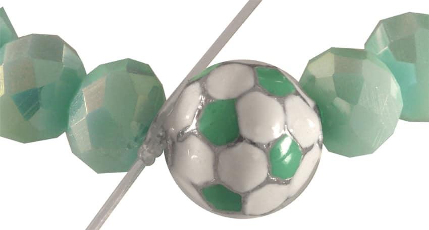 Fussball Armband Anleitung Schritt 2 von kronjuwelen.com