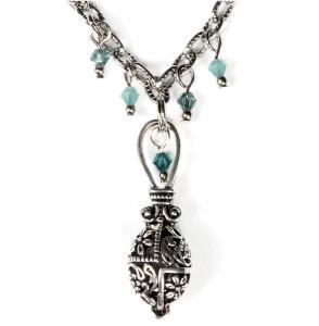 Metallanhänger mit Ornament